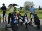 Dennis Saikkonen (links) nach getaner Golfrunde.